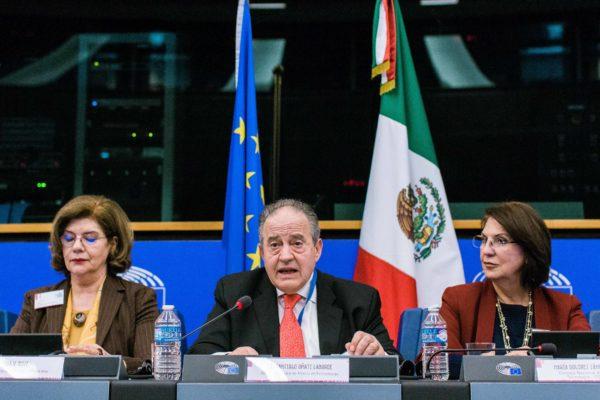Embajador Santiago Oñate